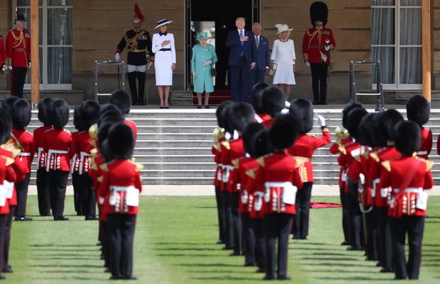 'ทรัมป์'เริ่มเยือนอังกฤษเต็มรัฐพิธี ทวิตจวกนายกฯลอนดอนพวก'ขี้แพ้'