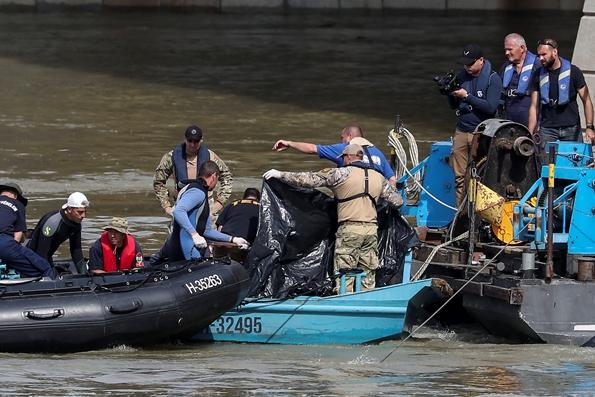 In Clips : พบเพิ่ม 2 ศพเหยื่อเรือท่องเที่ยวเกาหลีใต้ล่มกลางแม่น้ำดานูบ ยอดดับพุ่ง 9 ราย