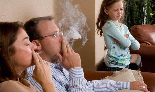 สูบบุหรี่ในบ้าน ทำลูกน้อยป่วยสารพัดโรค ทารกถึงขั้นตายเฉียบพลัน