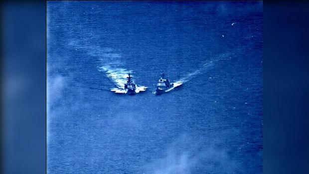 กองทัพสหรัฐฯเผยแพร่คลิปแฉ นาทีเรือรบอเมริกา-รัสเซียหวิดชนกันกลางทะเล(ชมวิดีโอ)