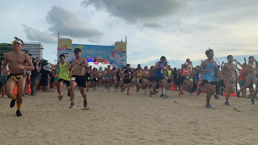 สร้างสถิติ Guiness world record วิ่ง Bikini ครั้งยิ่งใหญ่บนชายหาดพัทยา กว่า 3,000คน