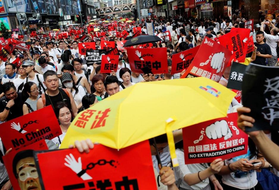 ชาวฮ่องกงหลายแสนเดินขบวนประท้วง ต้านกฏหมายส่งตัวผู้ร้ายข้ามแดนไปจีน