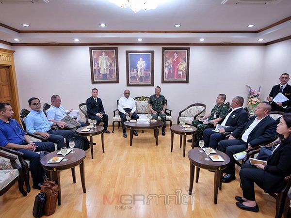 คณะผู้อำนวยความสะดวกการพูดคุยฯ มาเลเซียเข้าพบแม่ทัพภาค 4 สร้างกรอบความร่วมมือนำสันติสุขสู่ชายแดนใต้