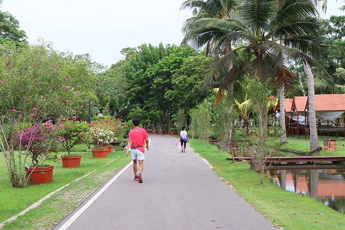 ประชาชนเข้ามาวิ่งออกกำลังกายในอุทยานฯ