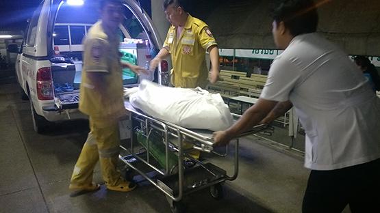 ชายขี้เมาขับกระบะชนหนุ่มขี่จยย.เสียชีวิตกลางถนนเลียบคลองสาม