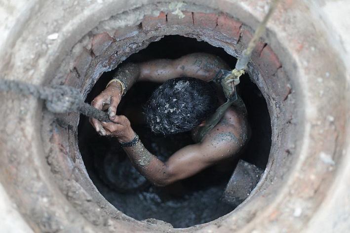 สลด! คนงานอินเดียดับ 7 ศพ หลังลงไปล้าง 'บ่อเกรอะ' โดยไม่สวมเครื่องป้องกัน