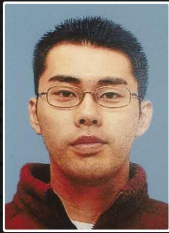 นายยูจิโร อีโมริ ถูกจับกุมตัวได้หลังจากใช้มีดแทงตำรวจพร้อมขโมยปืนของเจ้าหน้าที่