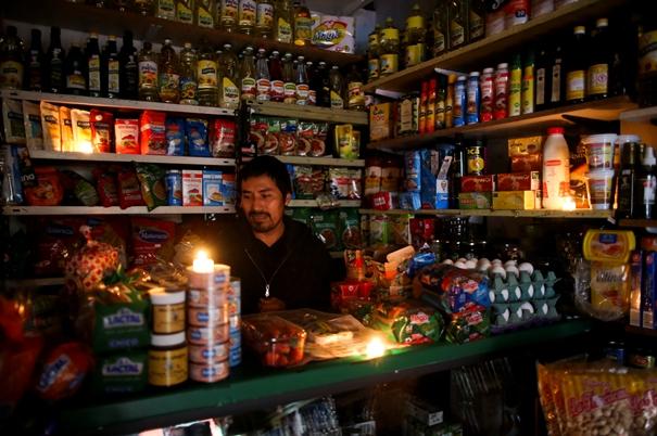 "In Clips :ไฟฟ้าดับทั้งประเทศ  ""อาร์เจนตินา-อุรุกวัย"" 44 ล้านคนอยู่โดยไม่มีไฟฟ้าใช้ ออกไปเลือกตั้งในความมืด"