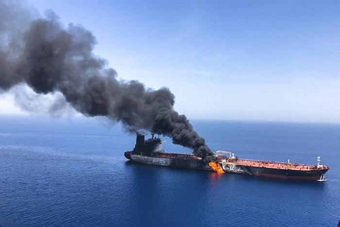 <i>หนึ่งใน 2 เรือบรรทุกน้ำมันที่ถูกโจมตีเมื่อวันพฤหัสบดี (13 มิ.ย.) ในทะเลโอมาน ใกล้ๆ ช่องแคบฮอร์มุซ </i>