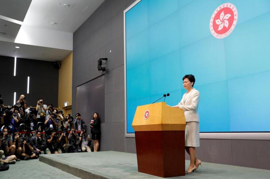 ฮ่องกงจ่อยุติกฏหมายส่งผู้ร้ายข้ามแดน ผู้นำย้ำฟังเสียงประชาชนแต่ไม่ลาออก
