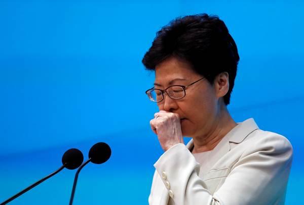 """ผู้นำสูงสุดฮ่องกง แคร์รี่ แลม แถลง """"ขอโทษด้วยความจริงใจอย่างที่สุด"""""""