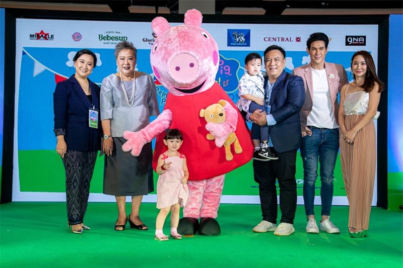 """""""เจจินตัย ควง """"น้องพลอยเจ""""ร่วมต้อนรับ""""เปปป้าพิก""""งานแถลงข่าว PEPPA PIG LIVE CELEBRATION 2019IN BANGKOKพร้อมชมโชว์เต็มรูปแบบ12-14กรกฎาคมนี้"""