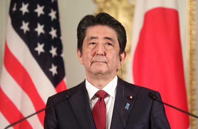 อาเบะโดนฝ่ายค้านโจมตี กรณีรายงานเงินบำนาญคนญี่ปุ่นไม่พอใช้หลังเกษียณ