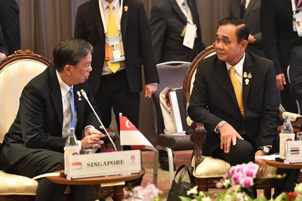 นายกฯ จับมือผู้นำอาเซียน พบหารือ 3 ภาคส่วน นิติบัญญัติ เยาวชน และภาคธุรกิจ