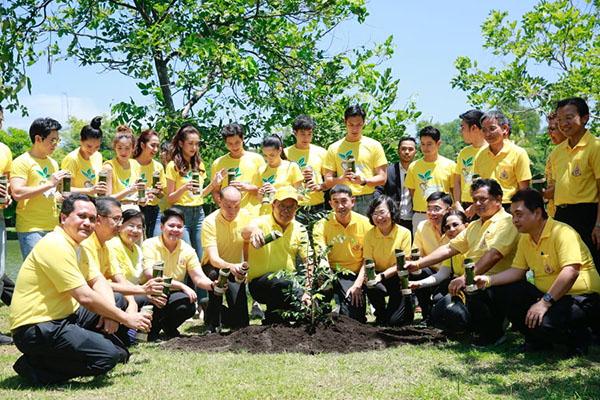 """ศิลปิน-ดารา ร่วมงาน """"รวมใจไทย ปลูกต้นไม้ เพื่อแผ่นดิน"""""""