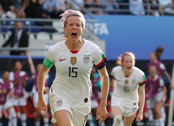 """""""มะกัน"""" ซัด 2 จุดโทษ รอดวล """"ฝรั่งเศส""""  8 ทีมบอลโลกหญิง"""