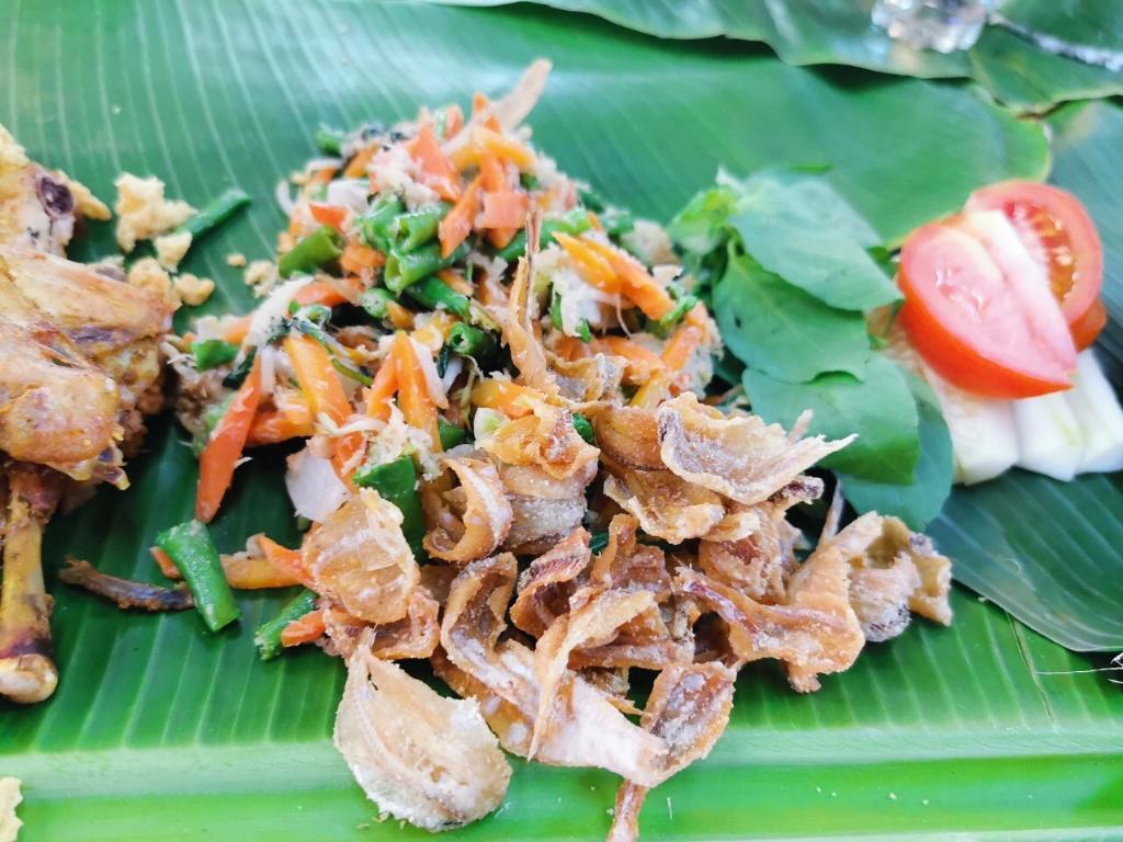อาหารสไตล์อินโดชวา ที่ Omah Kecebong