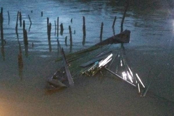 สุดเศร้า ! เฒ่าวัย 83 ออกไปตัดใบจากในทะเลถูกคลื่นซัดเรือล่ม ล่าสุดพบเป็นศพ