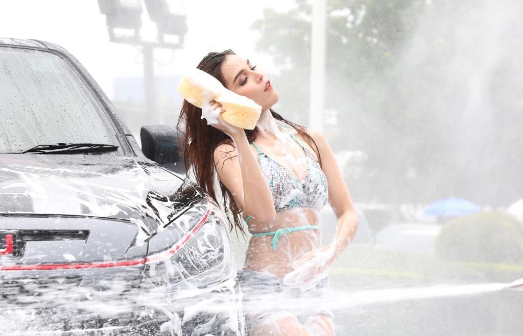ล้างกันจนตัวเปื่อย ไฮไลท์งาน FAST AUTO SHOW