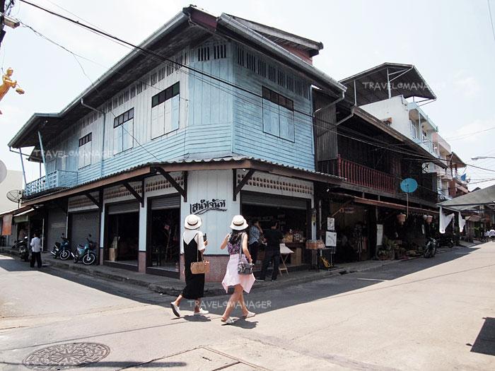 ชุมชนริมน้ำจันทบูรณ์ แหล่งท่องเที่ยวยอดฮิตในจันทบุรี