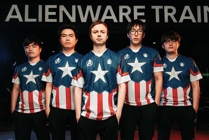 """""""Team Liquid"""" จับมือ """"Marvel"""" เปิดตัวชุดแข่งธีมกัปตันอเมริกา-ไอรอนแมน"""