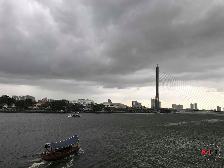ถล่มเพิ่มขึ้น! ทั่วไทยฝนฟ้าคะนอง-ตกหนัก กทม.โดนซัดร้อยละ 60 ของพื้นที่ เตือน ระวังอันตรายจากฝนสะสม