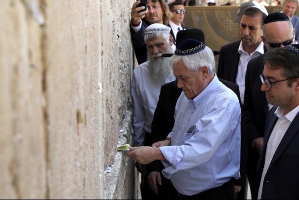 """In Clips: อิสราเอลกร้าว จับกุม """"รมว.ปาเลสไตน์"""" ในเยรูซาเลม หลังพาปธน.ชิลีเยือนมัสยิดอัลอักซอ"""