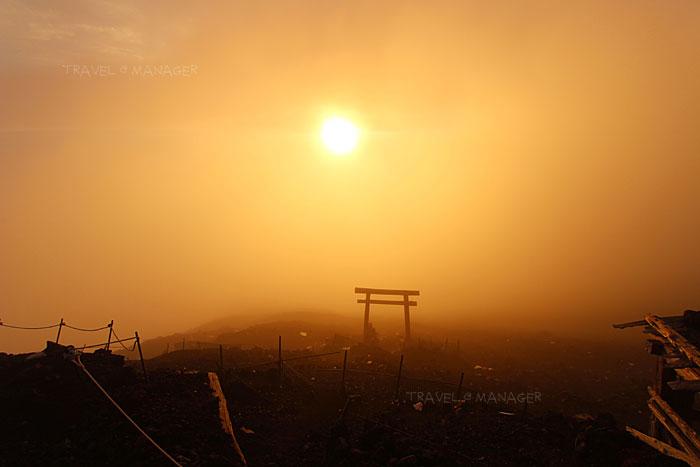 พระอาทิตย์ขึ้นพร้อมความอบอุ่นในเวลาประมาณ 04.30 น.