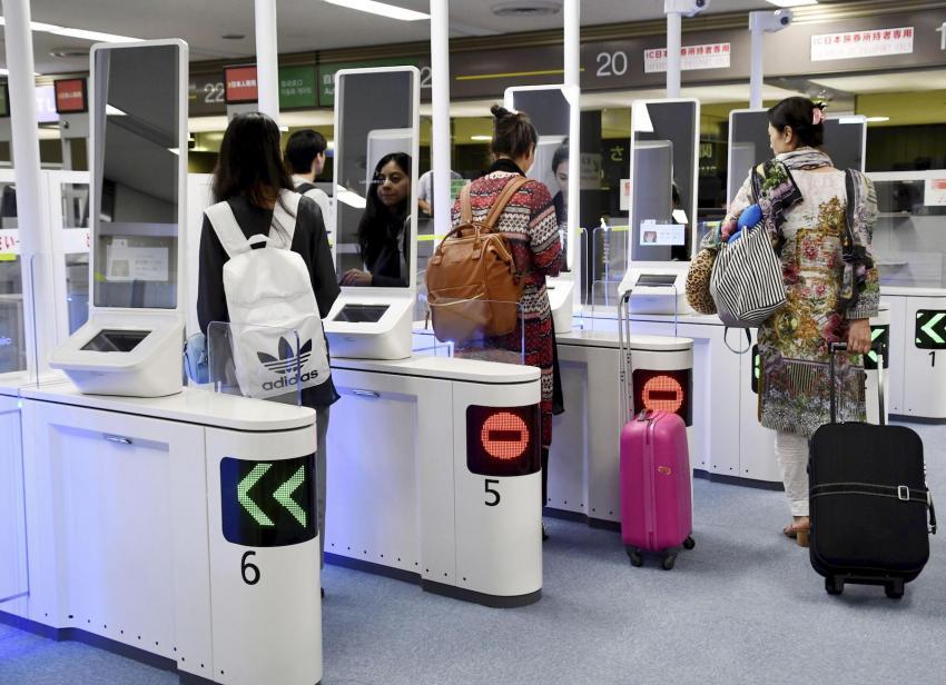 ญี่ปุ่นเตรียมใช้ประตูจดจำใบหน้าที่สนามบินเพื่อตรวจสอบชาวต่างชาติ