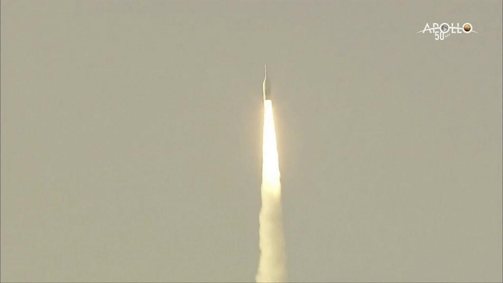 ภาพการทดสอบระบบฉุกเฉินขณะปล่อยจรวดในโครงการส่งมนุษย์อวกาศสหรัฐฯ กลับไปดวงจันทร์ (HO / NASA / AFP)