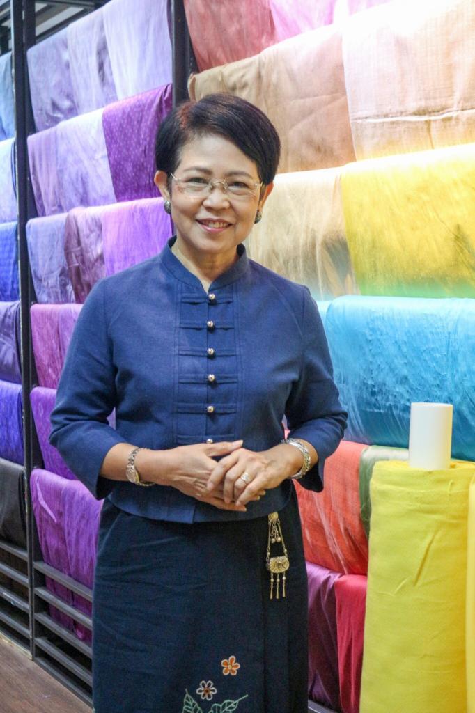 นางอัมพวัน พิชาลัย ผู้อำนวยการศูนย์ส่งเสริมศิลปาชีพระหว่างประเทศ