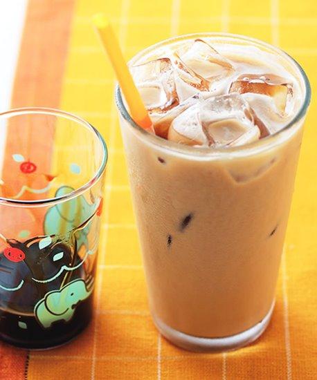 ชานมเย็น ชอบคุณภาพจาก https://www.ytower.com.tw/recipe/iframe-recipe.asp?seq=I01-0495