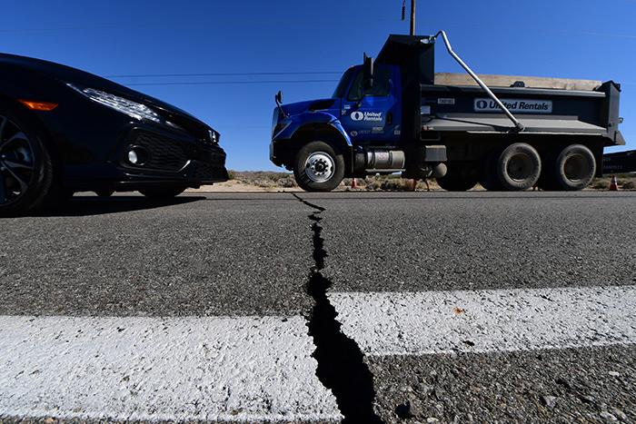 แรงสุดในรอบ 20 ปี แผ่นดินไหวตอนใต้แคลิฟอร์เนีย เฝ้าระวังอาฟเตอร์ช็อก [ชมภาพชุด] / วริษฐ์