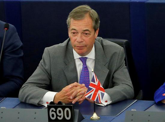 ไนเจล ฟาราจ พันธมิตรของทรัมป์ หน้าหน้าพรรคเบร็กซิต และอดีตหัวหน้าพรรค UKIP