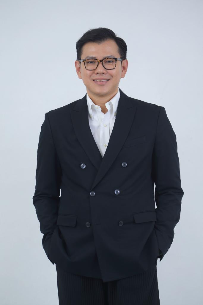 """LINE ประเทศไทยเปิดตัว """"CEO ใหม่"""" คนไทยนั่งผู้บริหารระดับสูงครบทีม"""