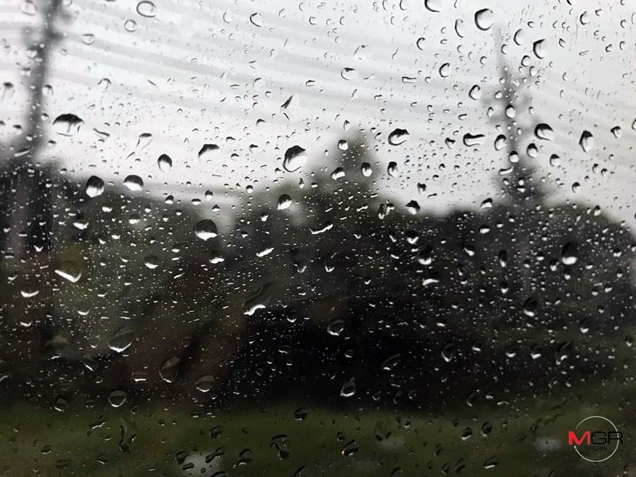 """ทั่วไทยฝนลด เว้น """"เหนือ-อีสาน-ใต้"""" ฝนเยอะกว่าภาคอื่น กทม. ตกบ่ายถึงค่ำร้อยละ 20"""