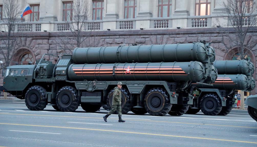 ระบบป้องกันภัยทางอากาศแบบ S-400 จากรัสเซีย