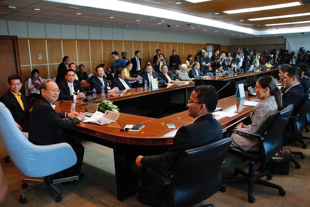บรรยากาศการประชุมของพรรคร่วมรัฐบาลในการยกร่างนโยบายแห่งรัฐ เมื่อวันที่ 11 ก.ค.62 (แฟ้มภาพ)