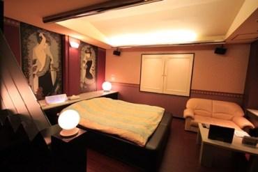 (18+) Love Hotel สถานที่ปลดปล่อยอารมณ์ ที่ไม่ได้เป็นเพียงโรงแรมธรรมดา!