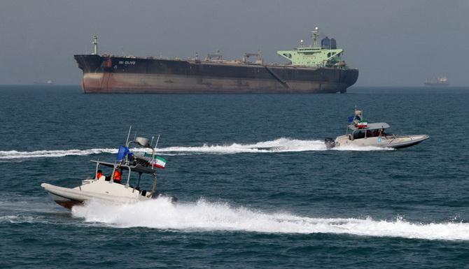โหมกระพือวิกฤต!!อิหร่านยึดเรือขนน้ำมันต่างชาติในอ่าวเปอร์เซีย คุมตัวลูกเรือ12คน