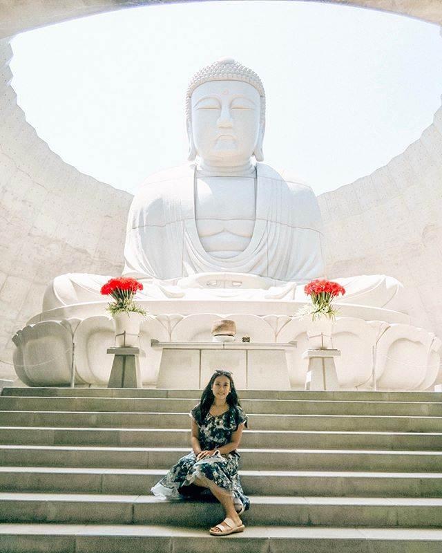 ฐิติกุล อยู่วิทยา ที่เนินเขาแห่งพระพุทธเจ้า Hill of the Buddha