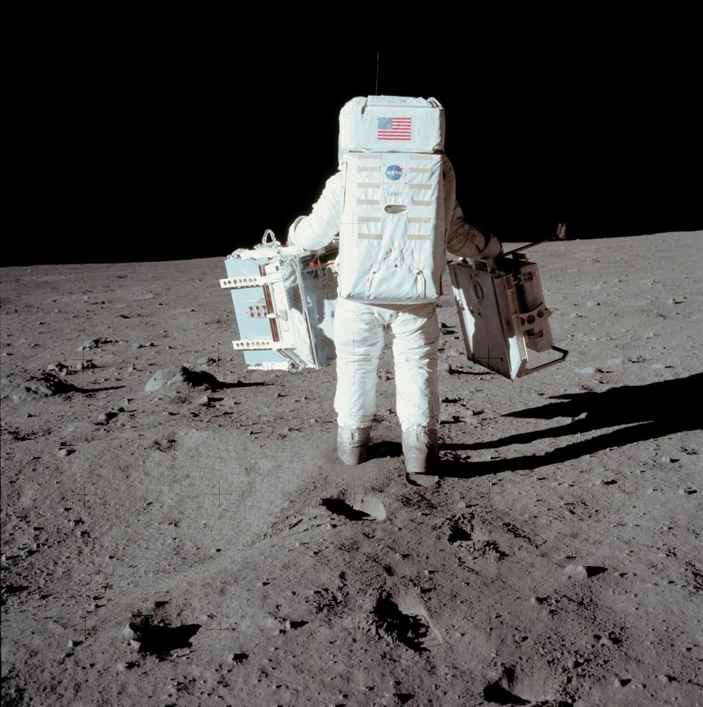 ไทม์ไลน์มนุษย์ก้าวลงดวงจันทร์ครั้งแรกเมื่อ 50 ปีก่อน