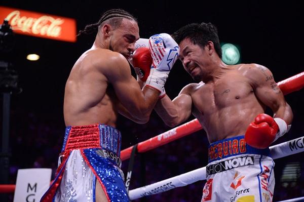 """""""ปาเกียว"""" 40 แค่ตัวเลข ไล่ถลุง """"เธอร์แมน"""" คว้าแชมป์โลก WBA"""