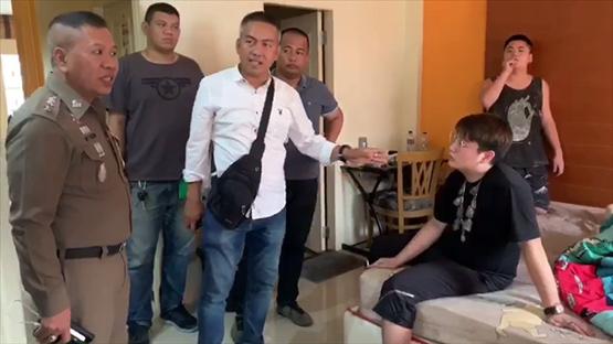 นักศึกษาต่างชาติหัวใสอัดยาเสพติดใสกรอบพระเครื่องส่งต่างประเทศ