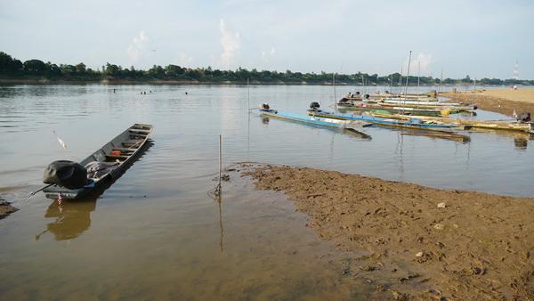 น้ำโขงหนองคายต่ำกว่าตลิ่งกว่า 10 เมตร ชาวบ้านโอดหาปลาไม่ได้