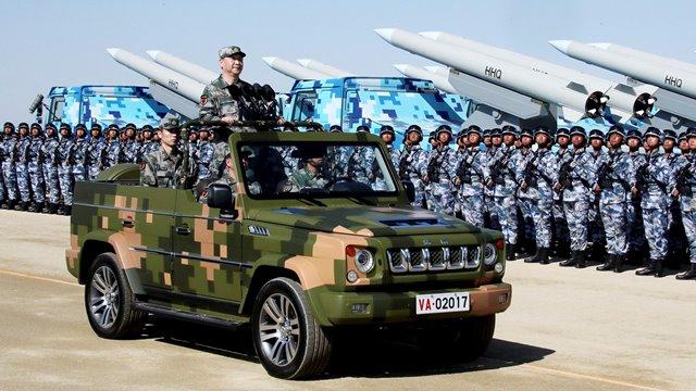 """จีนออกสมุดปกขาวกลาโหม เผยแผนสร้าง """"กองทัพไฮเทค"""" ชี้สหรัฐฯ บ่อนทำลายเสถียรภาพโลก"""