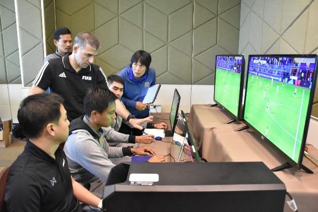 ส.ฟุตบอล จับมือ 'ฟีฟ่า-เอเอฟซี' อบรม VAR สุดเข้ม ผู้ตัดสินไทย