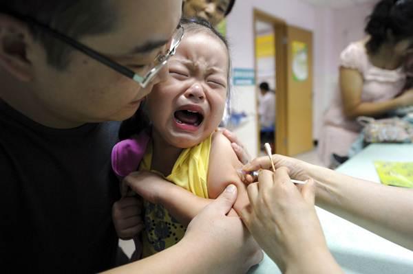 """พยากรณ์โรคสัปดาห์นี้ ระวัง """"โรคคอตีบ"""" ในเด็ก แนะพ่อแม่พาไปฉีดวัคซีนให้ครบ"""