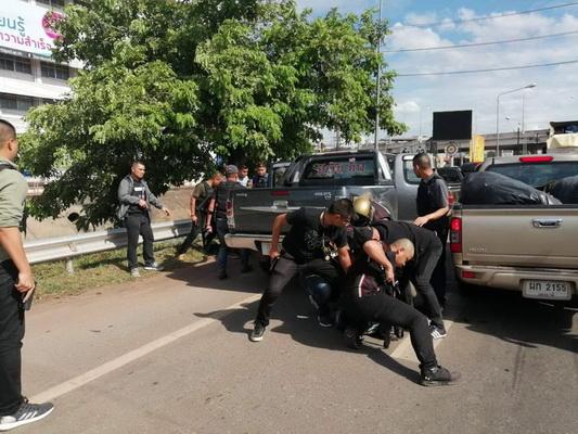 โจรปล้นทองซิ่งหนีเข้าลาว   ตำรวจสกัดจับทัน2รายที่อุดรฯ