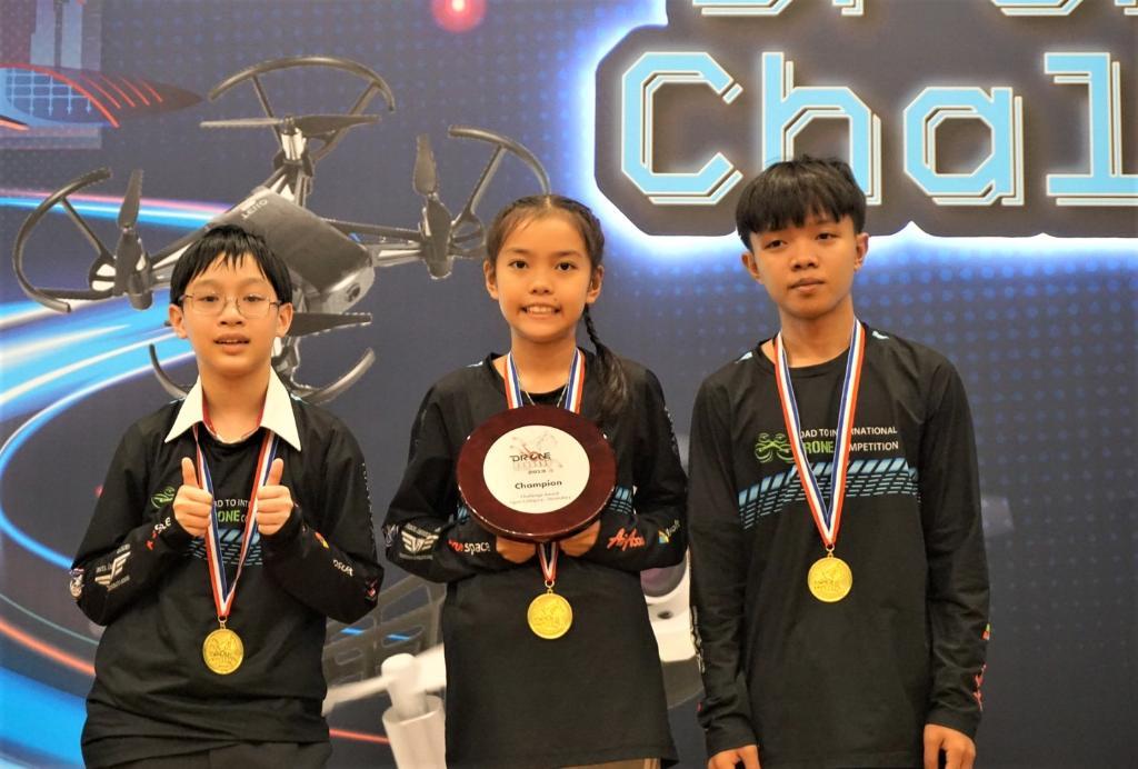 """ทีมนักกีฬาโดรนไทยสร้างชื่อคว้าแชมป์แข่งโดรนรายการ """"Drone Odyssey Challenge 2019""""  ครองแชมป์ 2 สมัยซ้อน"""
